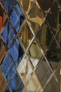 Зеркальная плитка в Курске на заказ l02